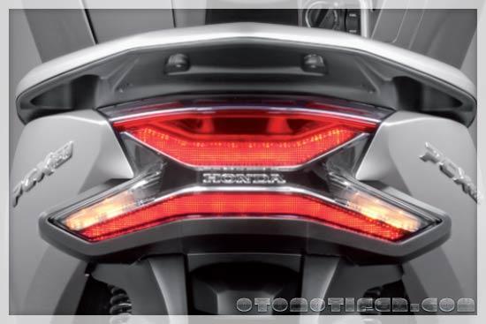 Lampu Belakang Honda PCX 150