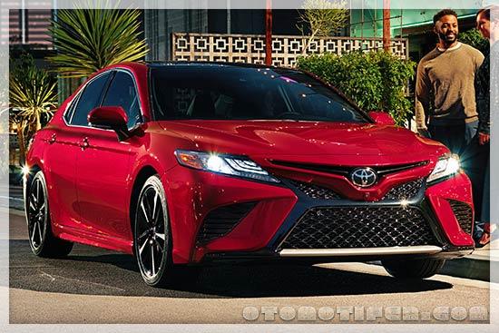 Gambar Toyota Camry2019