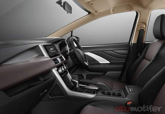 Gambar Interior Xpander Cross